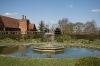 gardens-of-hatfield-house-fountain